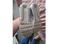 Size 8 nike trainers