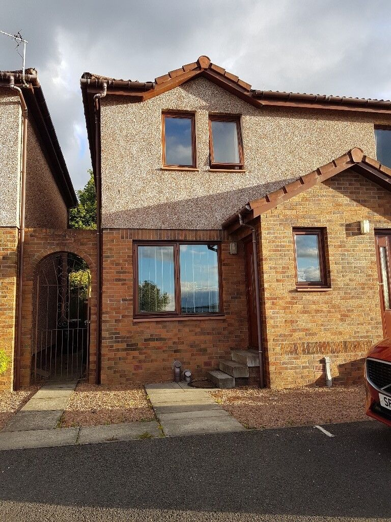 2 Bedroom House To Rent In Renfrew Drive Perth