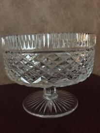 """TYRONE CRYSTAL Carrickmore 7"""" Footed Bowl"""