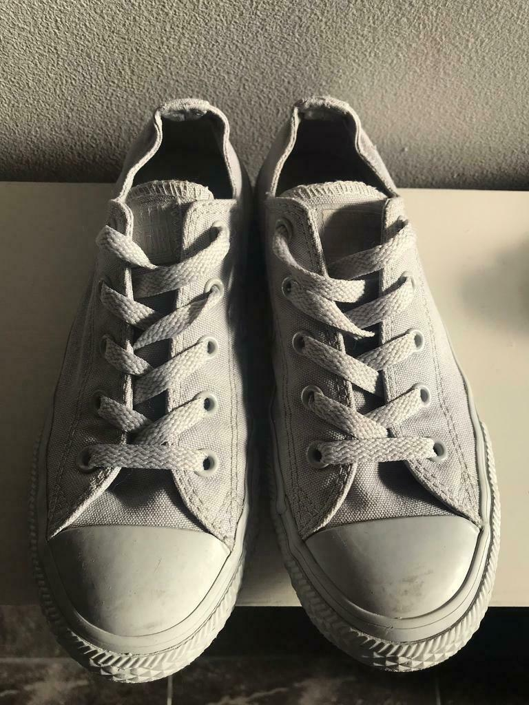 76ce954296f7 Girls Grey Converse Size 1