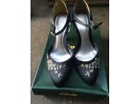 NAVY SEQUIN EVENING SHOES