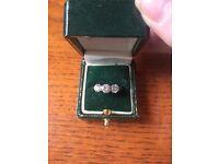 Stunning 3 stone diamond ring