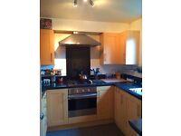 Stunning 2 Bedroom unfurnished Ground Floor Flat, Victoria Park Village, Hackney Only £1500 PCM