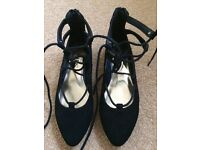 Girl's black suede shoes, size 1
