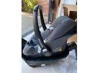 Maxi cosi pebble plus i size car seat and base