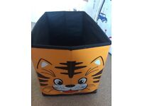 Tiger jungle toybox storage