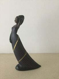 Mahogany Princess figurine No 113042