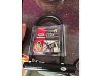 D / U Lock