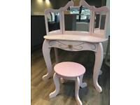 Kidcraft princess dressing table vanity with mirror & stool