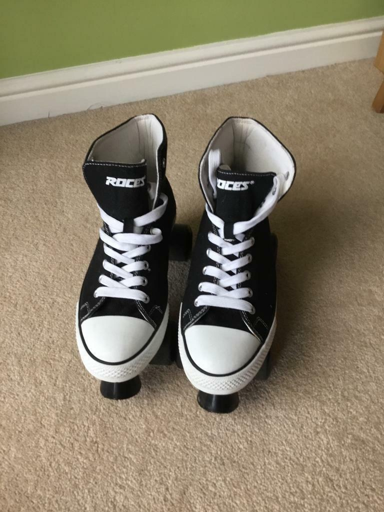 Adult roller boots size 6 and 7