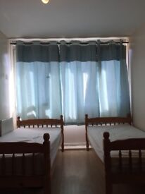 TWIN/DOUBLE ROOM AVAILABLE NOW IN ROEHAMPTON 160£PW/ALL BILLS INC