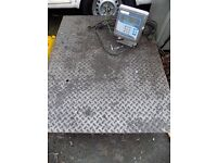 Commercial pallet platform weighing scales. Weighs up to 1500kg