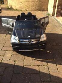 Mercedes GL450 Electric car