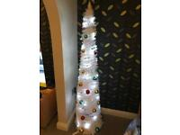 6FT POP UP WHITE PRE-LIT & PRE DECORATED CHRISTMAS TREE