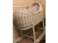 Pod style Moses basket with stand