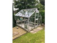 Well conditioned greenhouse for sale