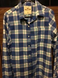 Hollister shirt size M