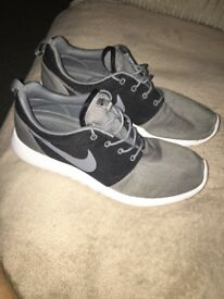 Nike roche size 11