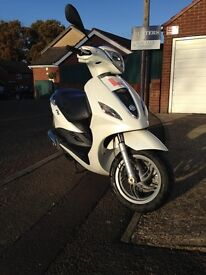 Piaggio fly 125 for sale. Great reliable bike, MOT till November 2017