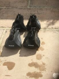 Exodus roof bar feet
