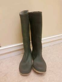Green size 5 wellies