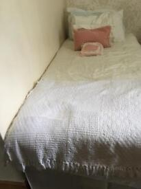 Single divan bed with draws and mattress
