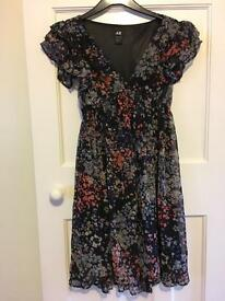 H&M dress fab condition size 10-12.