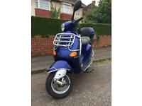 Piaggio Vespa ET4 50cc 1300 Miles Excellent Condition New MOT