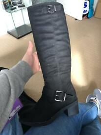 Size 5 black knee high boots