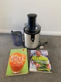 Phillips Juicer plus 2 Juices and Smoothies Books