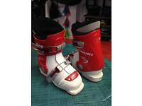 Childrens U.K. 11 ski boots Atomic