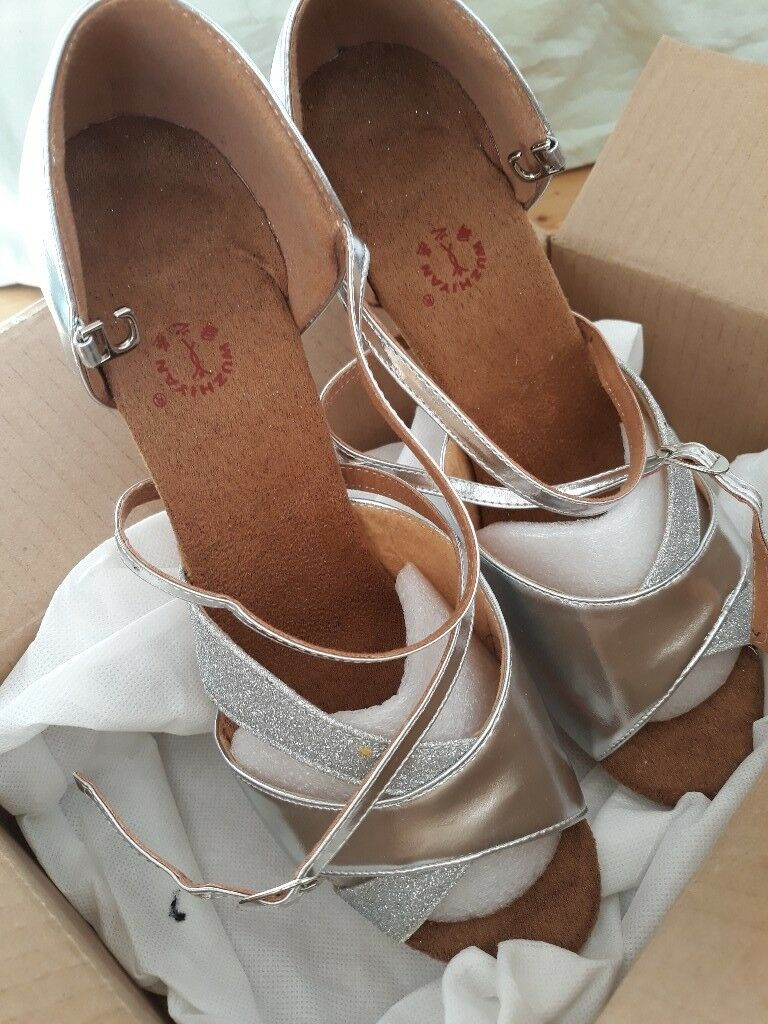 056153f54 Ladies dancing shoes size 40 - BRAND NEW