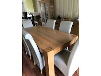 Solid Oak Diningroom Table & 6 Chairs
