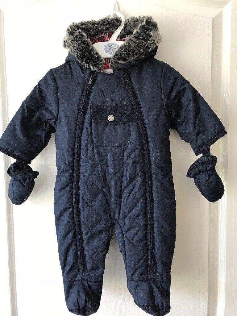 b0a0eb810ea1 Baby boy s M   S snowsuit 0-3 months