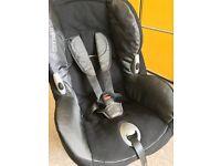 Maxi-Cosi Priori Child Car Seat - Black