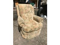STUNNING COMFORTABLE FABRIC ELECTRIC RECLINING ARMCHAIR