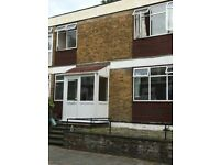 Spacious 4 Bedroom House 5 min walk to mile end station!