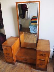 Vintage dressing table with large mirror, great condition, 7 drawers