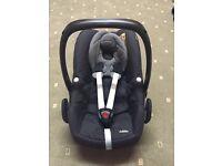 Maxi-cosi pebble car seat- black cystal with maxi cosi familyfix isofix base £135