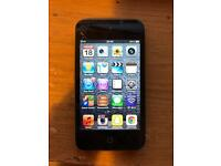 iPod touch 4th gen 32gb (cracked)