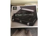 Stylo turntable with built in speakers - reduced