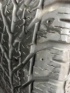 185/60/15  Goodyear ultragrip winter 10/32 + rims Ford 15 pouces.   4x108