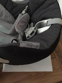Cybex platinum Aton car seat and isofix base