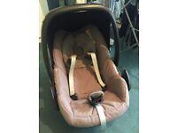 Brown maxi cosi pebble car seat