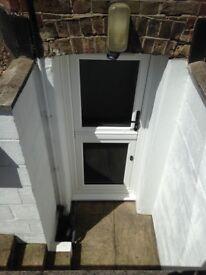 Newly refurbished studio flat 200 metres from Watford junction