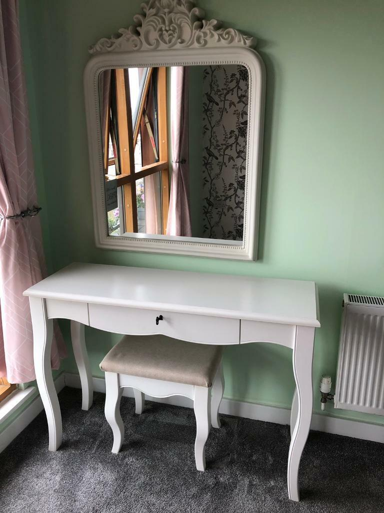 Phenomenal Next White Dressing Table Stool And Mirror In Romford London Gumtree Squirreltailoven Fun Painted Chair Ideas Images Squirreltailovenorg