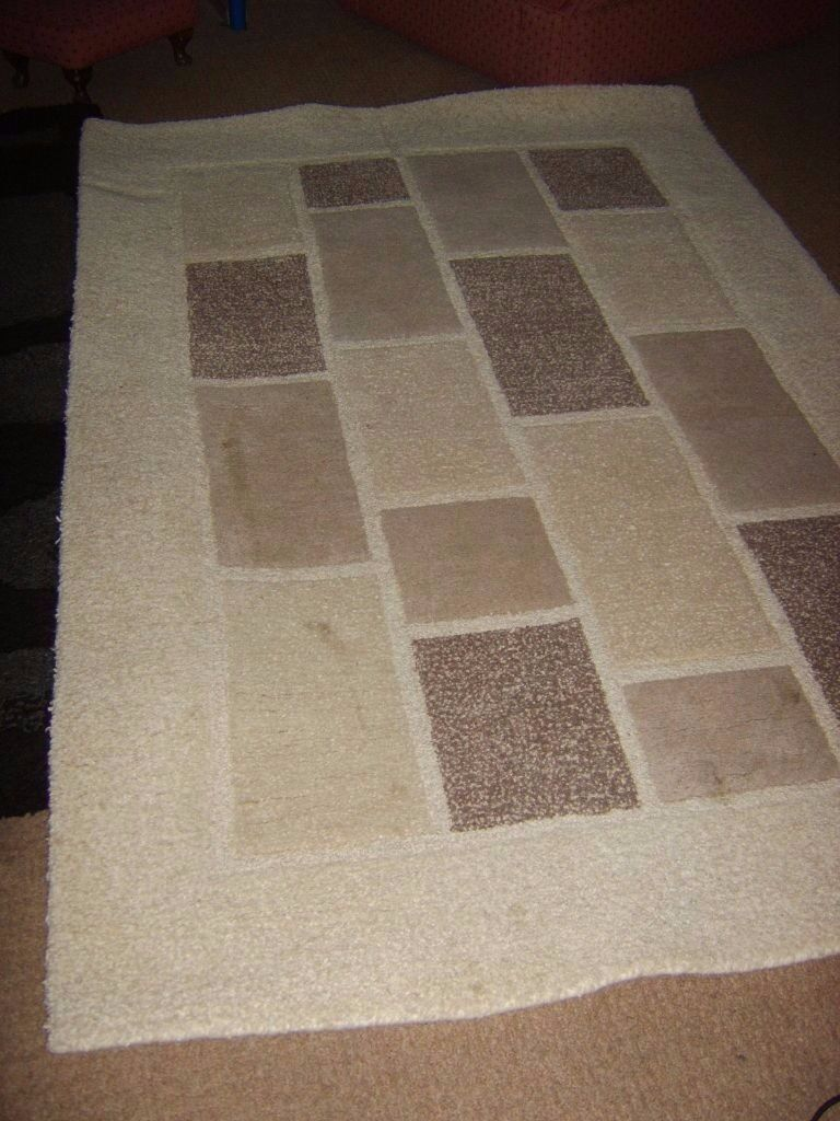 Indian Handmade Quality Rug 100% Wool CreamBeige REDUCEDin Bedlington, NorthumberlandGumtree - WAS advertised at £55 NOW £25 ALL WOOL! Gorgeous rug with square pattern. Have many other lovely items – mirrors, lights(all kinds), rugs, curtains in different shapes, sizes and colours