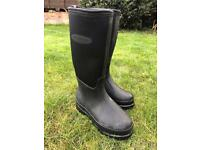 Ladies Muck boots size 4