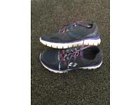 Skechers Relaxed Fit Size 1.5