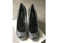 Women's Carvela Shoes - Silver - Size 8